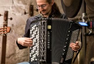 Häggi - Akkordeonist und Liedermacher